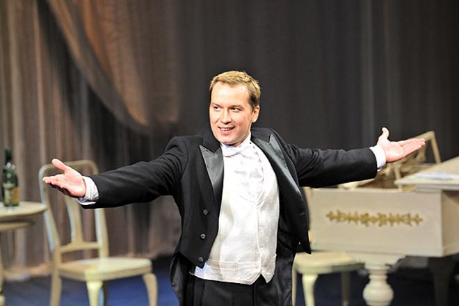 Александр Вершинин на сцене Малого театра