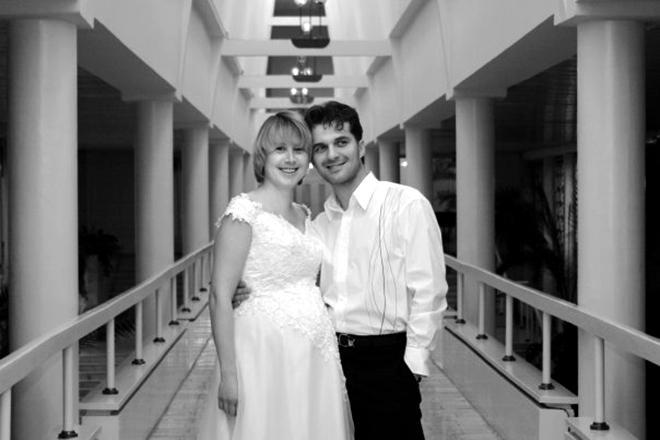 Олег Харитонов с женой