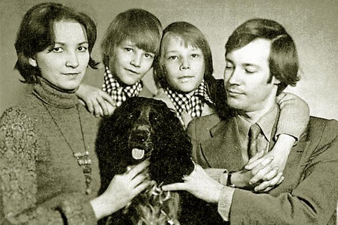 Владимир Конкин с семьей