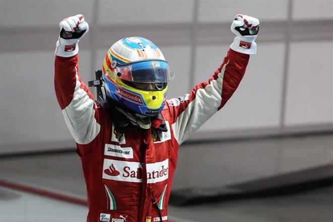 Фернандо Алонсо в шлеме