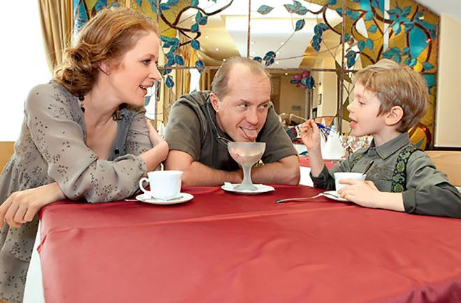 Наталья Рогожкина с мужем и сыном