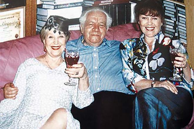 Клара Лучко и Дмитрий Мамлеев с дочерью