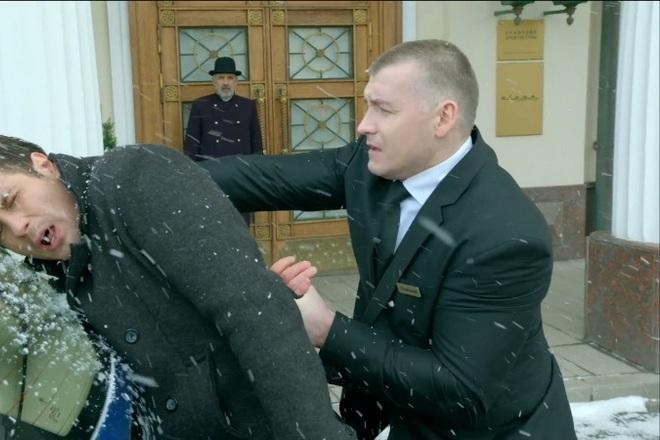 Максим Артамонов в сериале «Кухня»