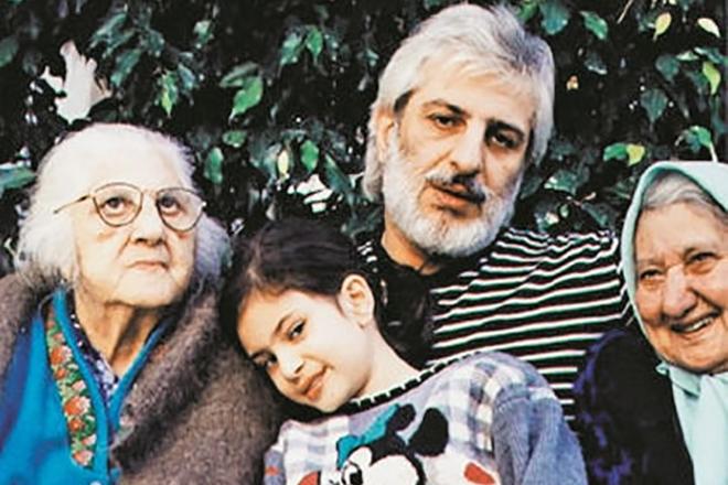 Ефрем Амирамов с семьей