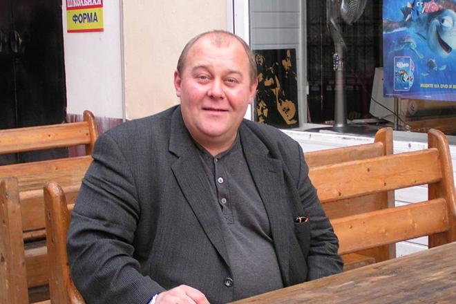 Актер Владимир Гусев
