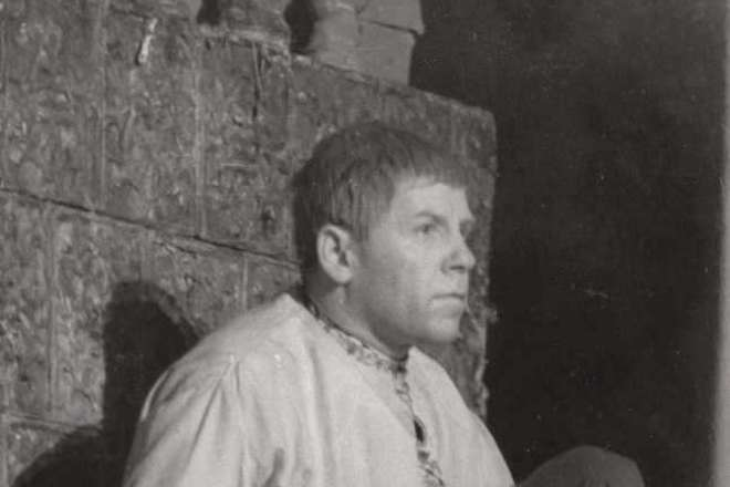 Николай Парфенов в роли Митрофанушки