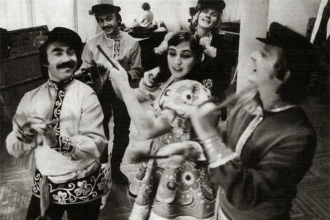 Жанна Рождественская в ансамбле «Саратовские Гармошки»