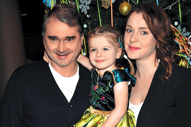 Александр Жигалкин с семьей