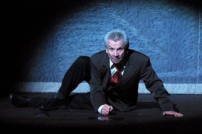 Вячеслав Захаров на сцене театра