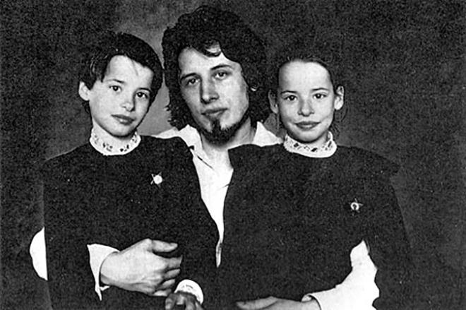 Владимир Сорокин с дочерьми
