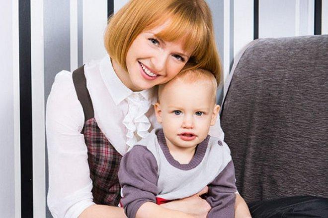 Юлия Вайшнур с сыном Ильей