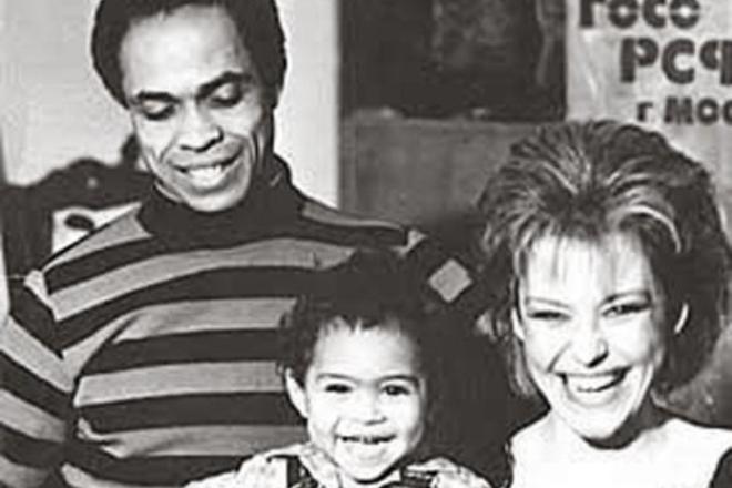 Вейланд Родд и Ирина Понаровская с сыном