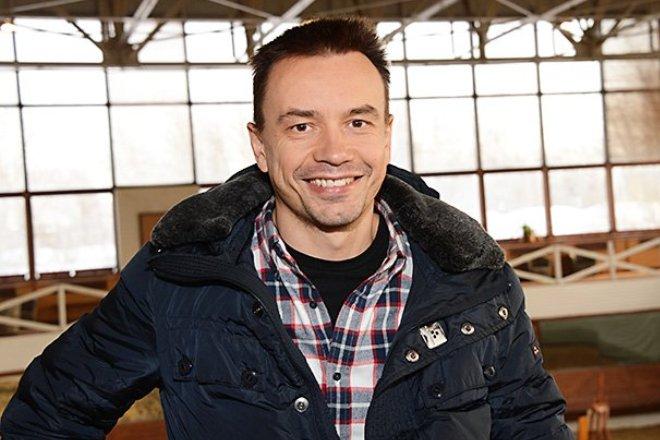 Актер Алексей Серов