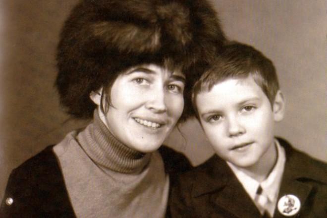 Дмитрий Медведев с мамой