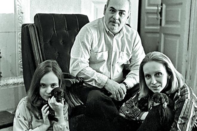 Анатолий Равикович с женой и дочерью