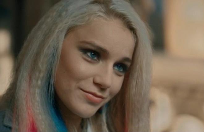 Арина Постникова в сериале «Выжить после»