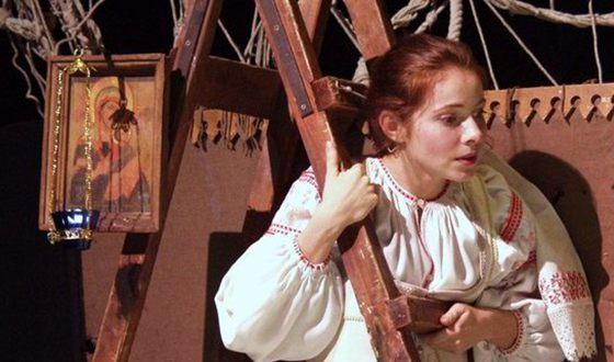 Екатерина Гусева на сцене театра