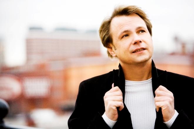 Владимир Левкин вел телепередачи «Музыкальная кухня» и «Ах, анекдот»