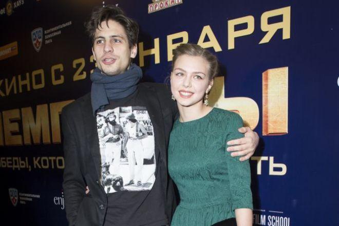 Александр Молочников и Таисия Вилкова на премьере фильма «Чемпионы»