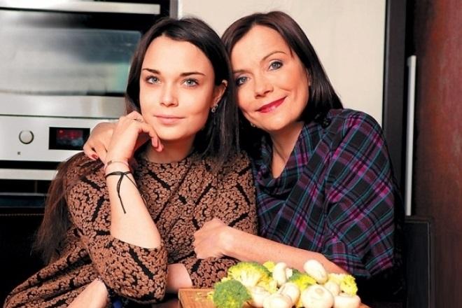 Екатерина Семенова с дочерью