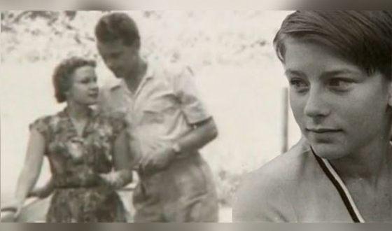 Елена Сафонова в детстве и её родители