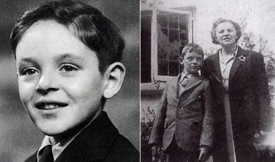 Энтони Хопкинс в детстве (на фото справа с мамой)