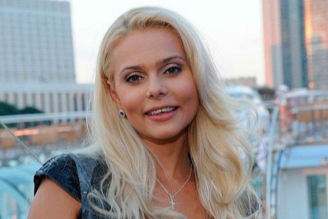 Певица Ксения Новикова