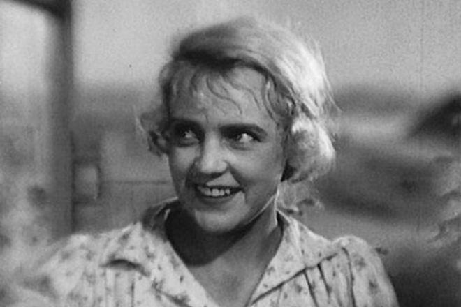 Марина Ладынина в молодости
