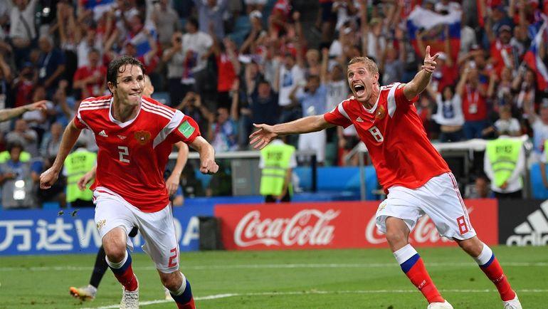 Гол Фернандеса вывел россиян в послематчевые пенальти
