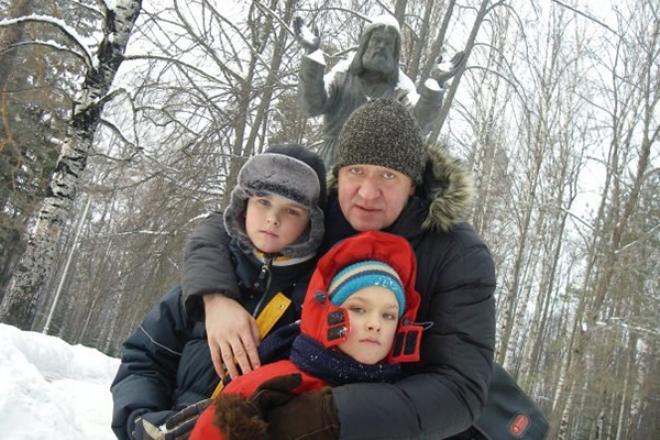 Игорь Черневич с детьми