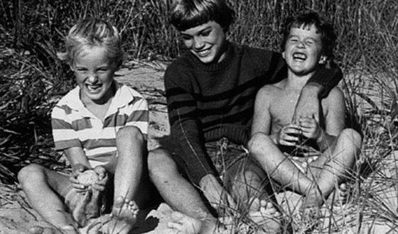 Оуэн Уилсон в детстве с братьями