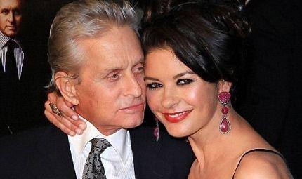 С мужем Майклом Дугласом