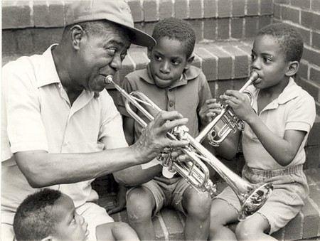 Луи Армстронг с детьми