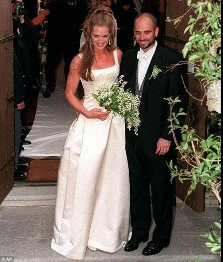 Брук Шилдс с первым мужем Андре Агасси, свадьба