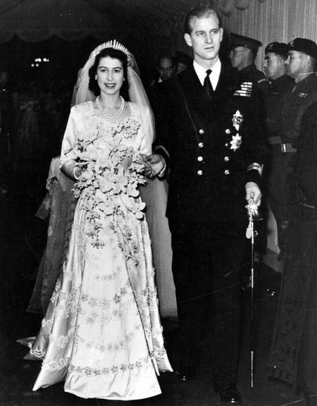 Королева Елизавета II в молодости с будущим мужем Филиппом Маунтбаттеном