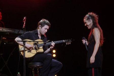 Путь певицы Заз ездит с гастролями по всему миру