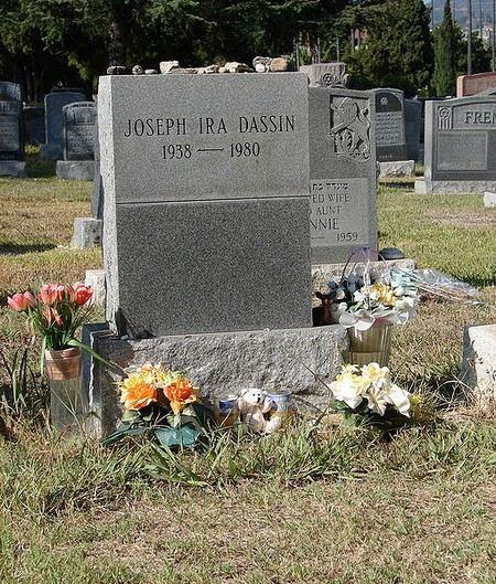 Причиной смерти Джо Дассена стал сердечный приступ