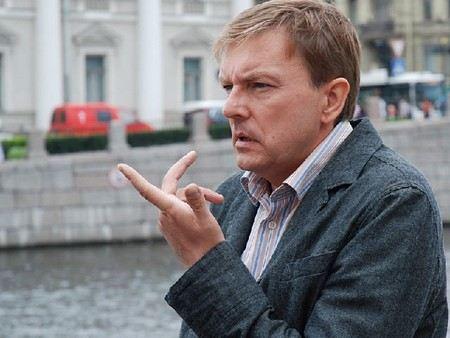 Алексей Нилов популярен благодаря сериалам про милицию и полицию