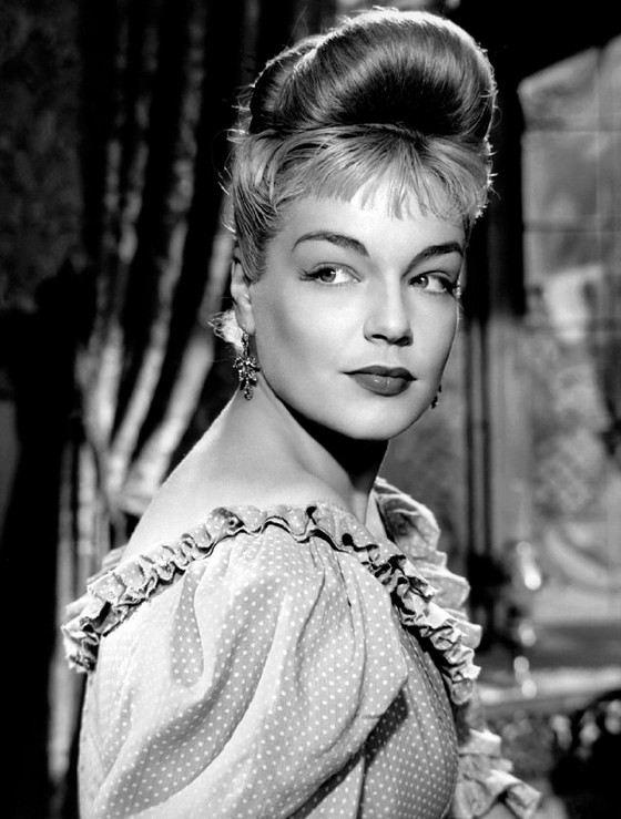 Актриса Симона Синьоре в молодости была писаной красавицей
