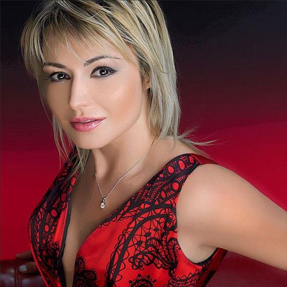 Певица Катя Лель радует своих поклонников не только песнями, но и стрижками