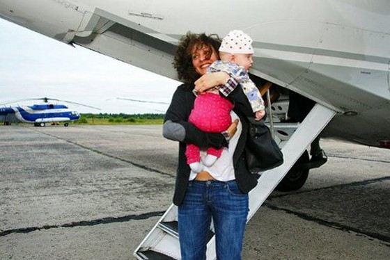 Актриса Ксения Раппопорт с младшей дочерью