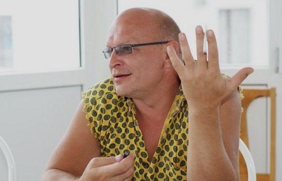 Актер Александр Тютин начинал свою карьеру в театре