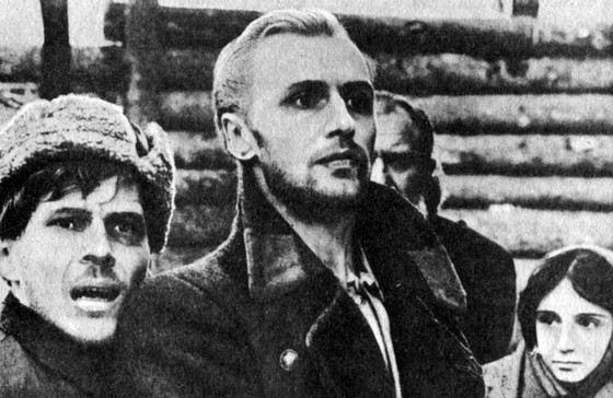 Актер Владимир Гостюхин в молодости (слева)