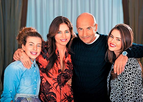 Ольга и Игорь Крутой с дочками Викторией и Александрой