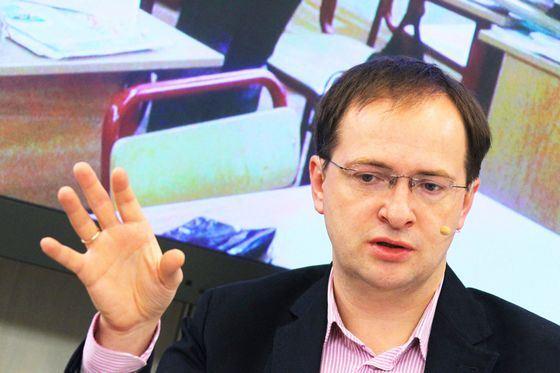Владимир Мединский сделал стремительную карьеру в политике