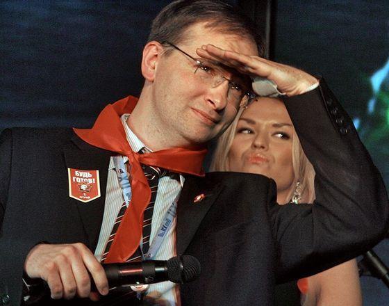 Владимир Мединский женат, он многодетный отец