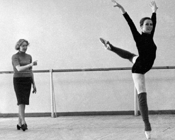 Галина Уланова и Майя Плисецкая во время репетиции. 1969 г.