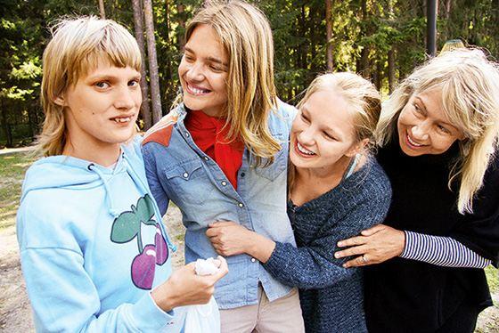 Наталья Водянова с семьей: мамой и сестрами