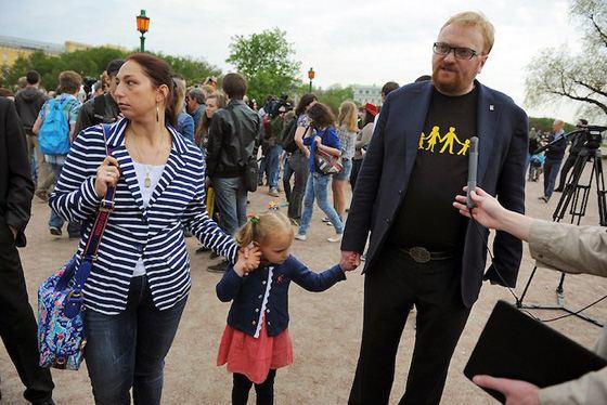 Виталий Милонов с женой и старшей дочерью Марфой