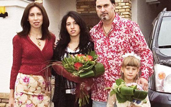 Валерий Меладзе с женой и детьми